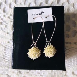 Cream Flower Earrings